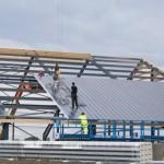 Hala produkcyjna montaż dachu